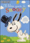 Il libro gioco di Snoopy. Con adesivi. Ediz. illustrata